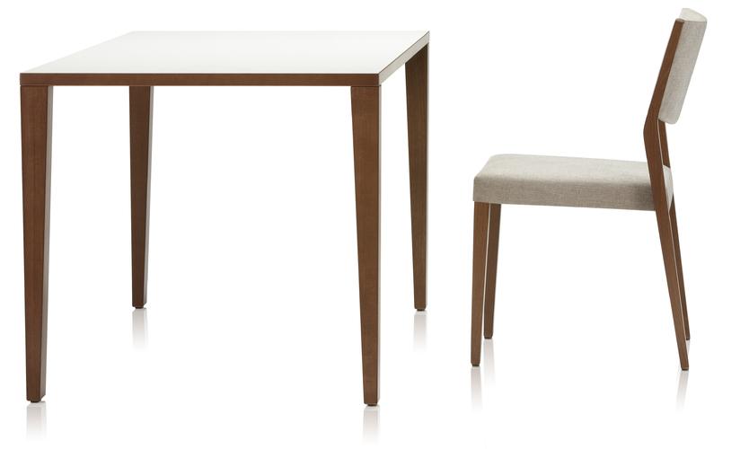 Buena nova tafels distrac group totaalconcept zorgmeubilair - Tafel met chevet ...